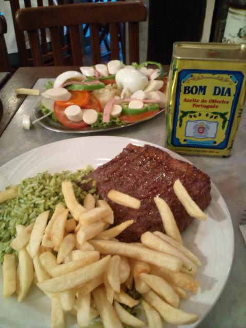 リオデジャネイロで昼食を_b0032617_1228695.jpg