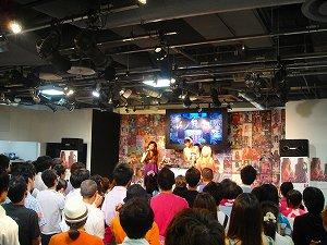 渋谷のシンボル HMV渋谷に、GALS集結!!聖地・渋谷でLil\'Bリリース記念ライヴ開催!!_e0025035_22181640.jpg
