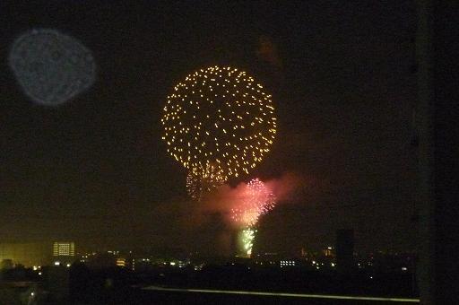 今日は昭和記念公園の花火大会!_f0031554_2124054.jpg
