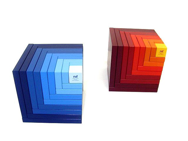 ネフ社の積み木 青のグラデーション、赤のグラデーション