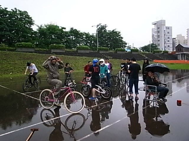 ドシャ降り 川祭り_e0173533_10342483.jpg