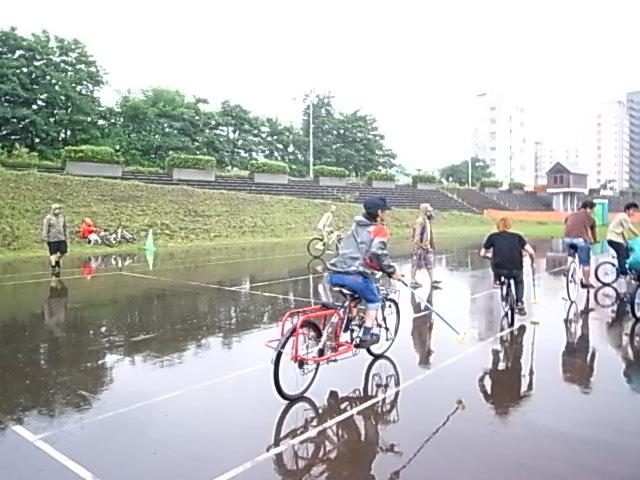 ドシャ降り 川祭り_e0173533_9295682.jpg