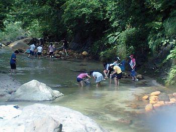 きれいな川だからね。_a0096989_20495364.jpg