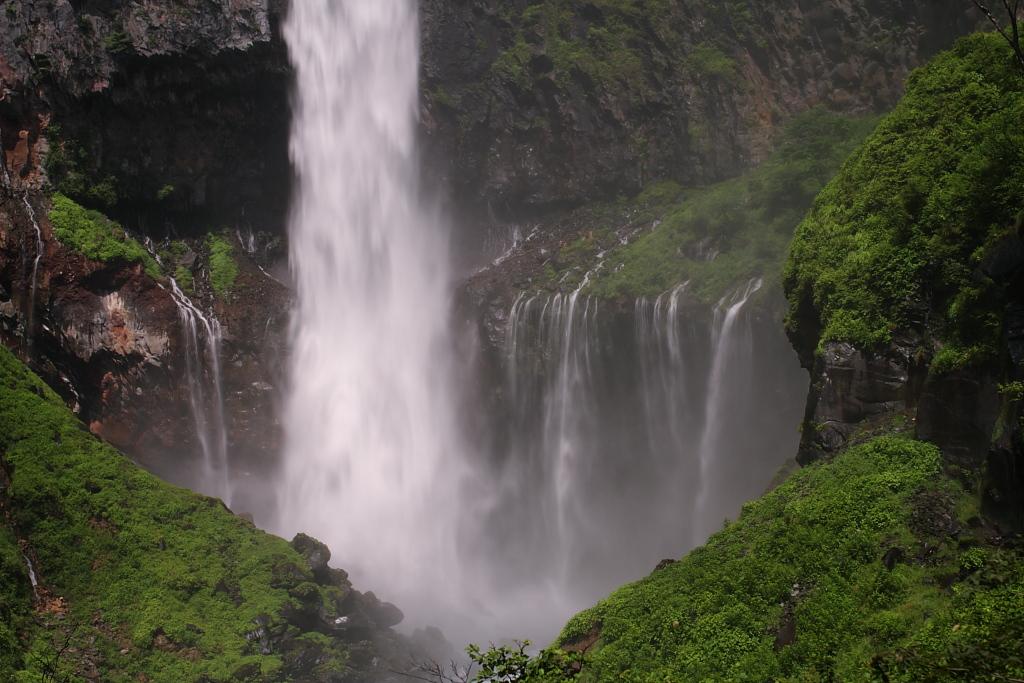 華厳の滝_b0116600_22401421.jpg