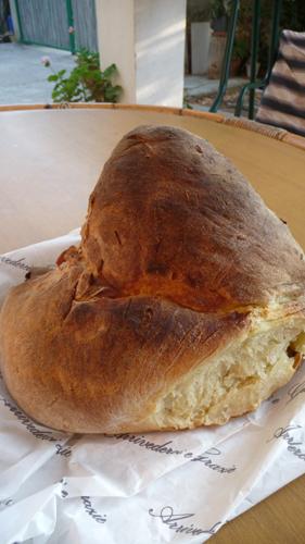 美味しいパンの村アルタムーラ_f0106597_1123436.jpg