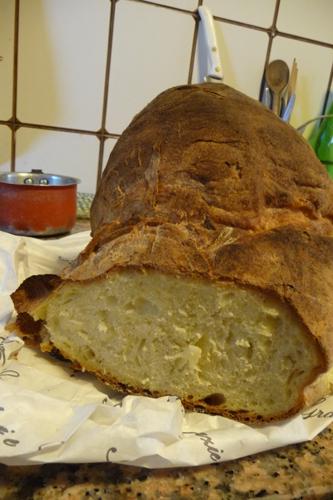 美味しいパンの村アルタムーラ_f0106597_1183917.jpg