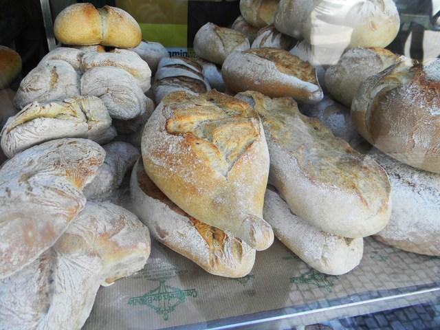 ポルトガルのパン色々_c0213220_4394512.jpg