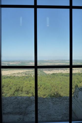 美しい丘の上の古城~カステッロ・デル・モンテ_f0106597_1715596.jpg