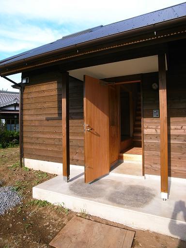OTさんの家 完成(1) 2010/8/7_a0039934_18392997.jpg