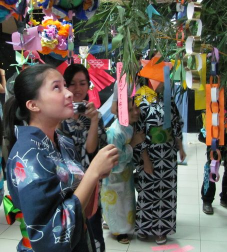 Tanabata Festival in Baguio  バギオが仙台?になった_a0109542_23335613.jpg