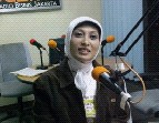 私の出会ったインドネシア人・Dinda Natasya さん@スマラン空港(2010/8/2)_a0054926_115119.jpg