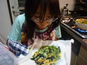 レンジでチン!で変わりチーズ煎餅づくり。_e0188087_21413599.jpg