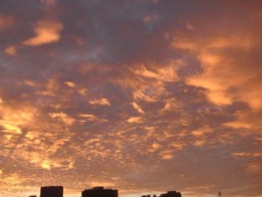剣岳と朝焼けと虹_f0230689_10241771.jpg