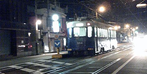 夜の路面電車_f0235201_22234523.jpg
