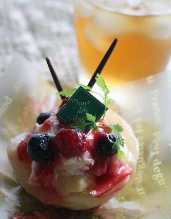 パティスリージュードゥミュゲさんの桃のケーキ_f0082141_13111911.jpg
