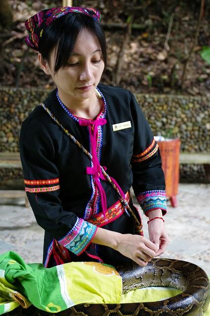 中国・海南島旅行14  ダンス!_b0112443_191087.jpg