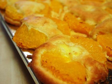 ってなわけで、ニャンコのパン教室に行ってきました。_e0167593_2324135.jpg