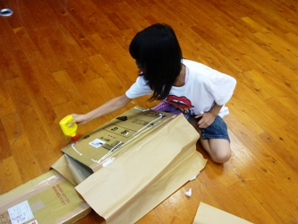 今日の図書館メンテその4。ダンボールでディスプレイ台を制作。_e0188087_22514619.jpg