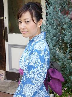 ブルーな浴衣とブルーなドレス_a0123703_2026321.jpg