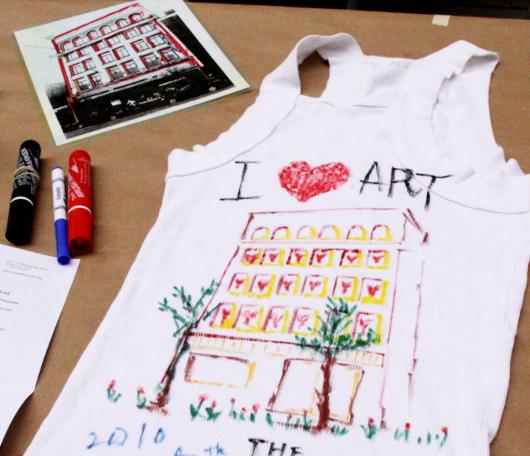 コインランドリーからアートを通じてコミュニティを育む_b0007805_234039.jpg