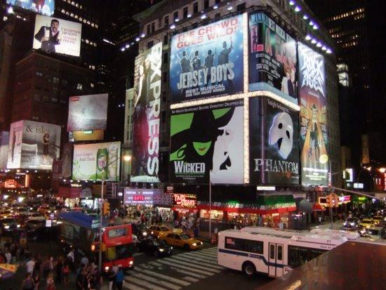 タイムズスクエアの夜_c0064534_13103522.jpg