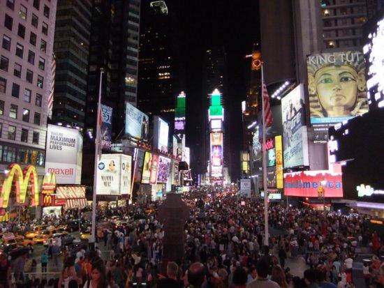 タイムズスクエアの夜_c0064534_13152014.jpg