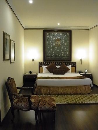 インド通信4 ラジャスターンを満喫できるお気に入りホテル_a0138976_21573842.jpg