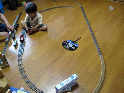 線路は続く~よ~!_f0129726_21323890.jpg