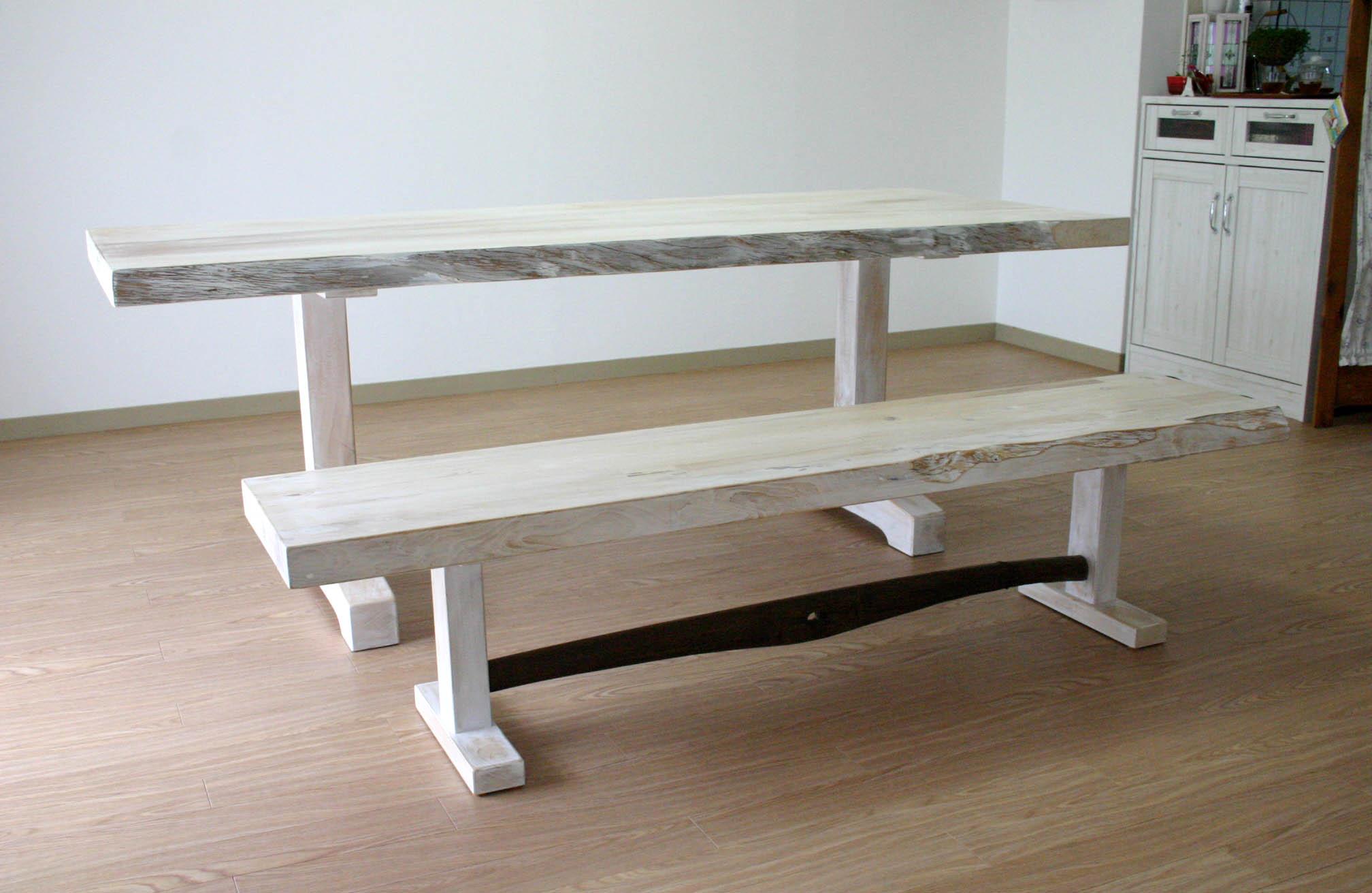 まきの木テーブル_f0171785_1653242.jpg