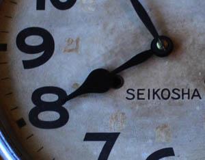 宮沢賢治(1896明治29年-1933昭和8年)が触ったであろう、花巻駅の時計(精工舎大正時代)_d0178448_0422624.jpg