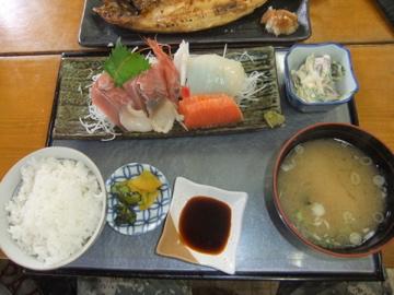 ダブルローライダーと海鮮ホッケ定食!!_c0226202_7431118.jpg