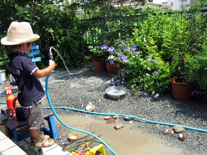 水遊び_f0129726_223344.jpg