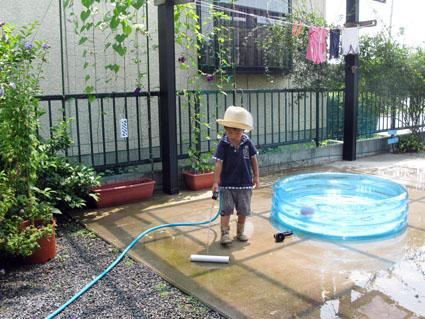 水遊び_f0129726_22401458.jpg