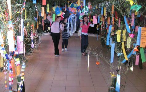 バギオ七夕祭り - 「七夕伝説」の踊りと音楽 高校生に_a0109542_2101448.jpg