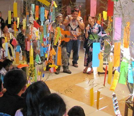 バギオ七夕祭り - 「七夕伝説」の踊りと音楽 高校生に_a0109542_218594.jpg