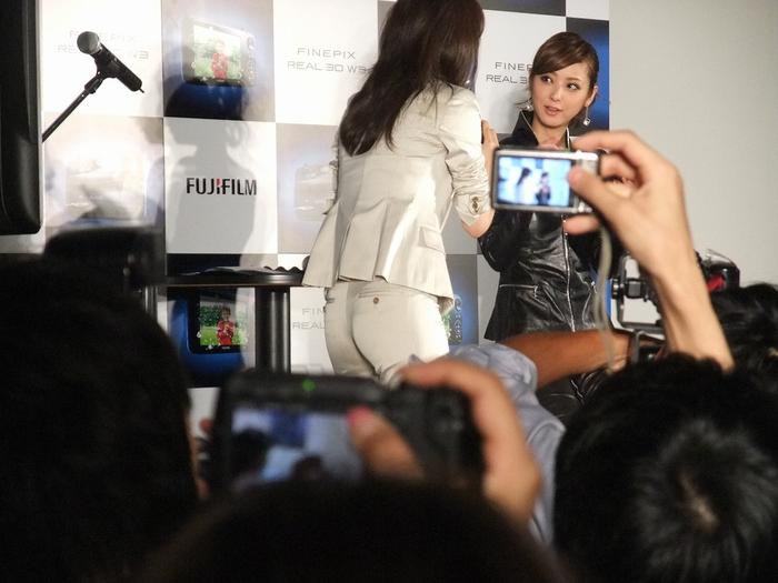 佐々木 希さん FUJIFILM 3Dで登場!!?_f0050534_1783520.jpg