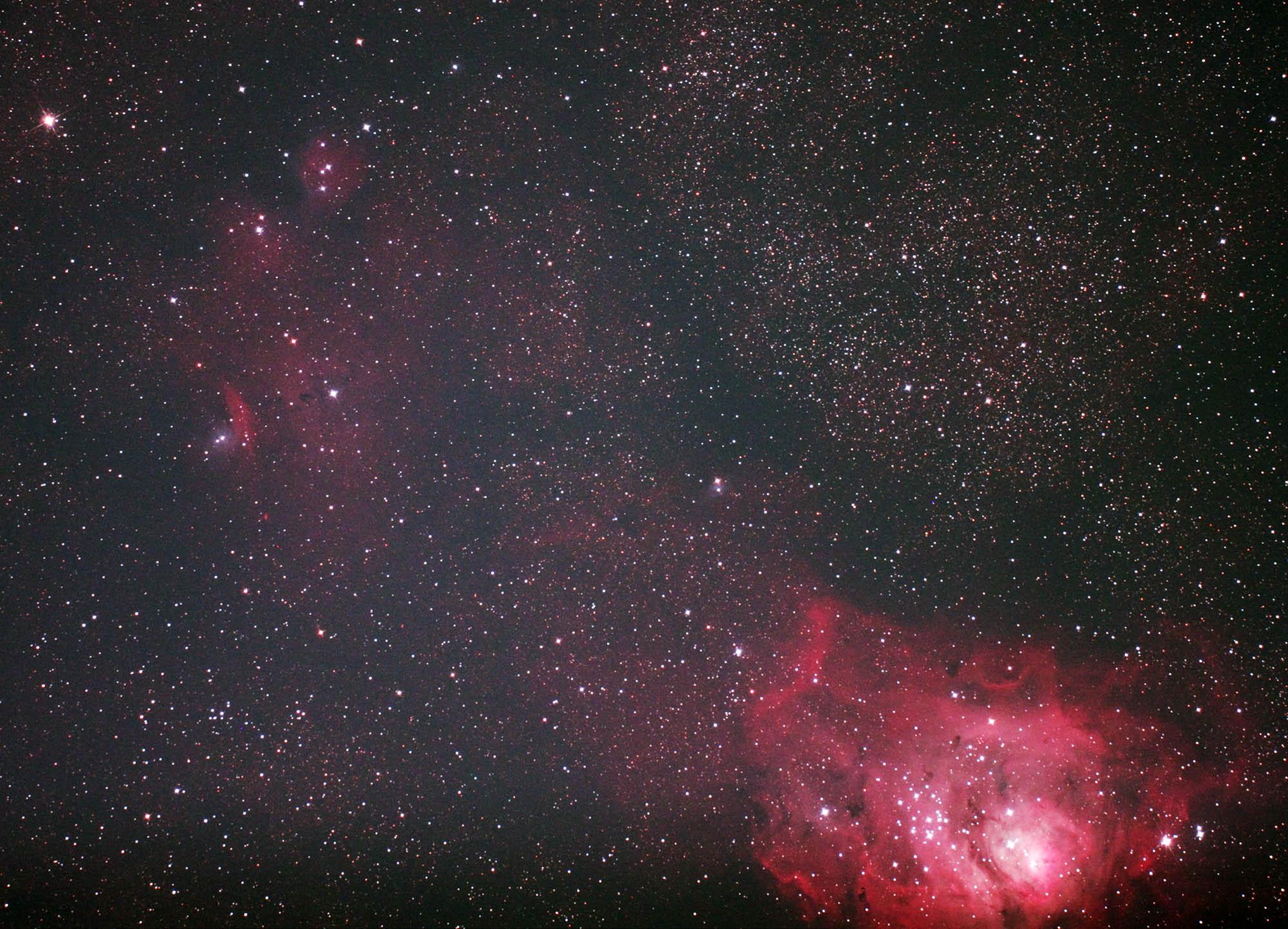 猫の肉球星雲_e0174091_15343392.jpg