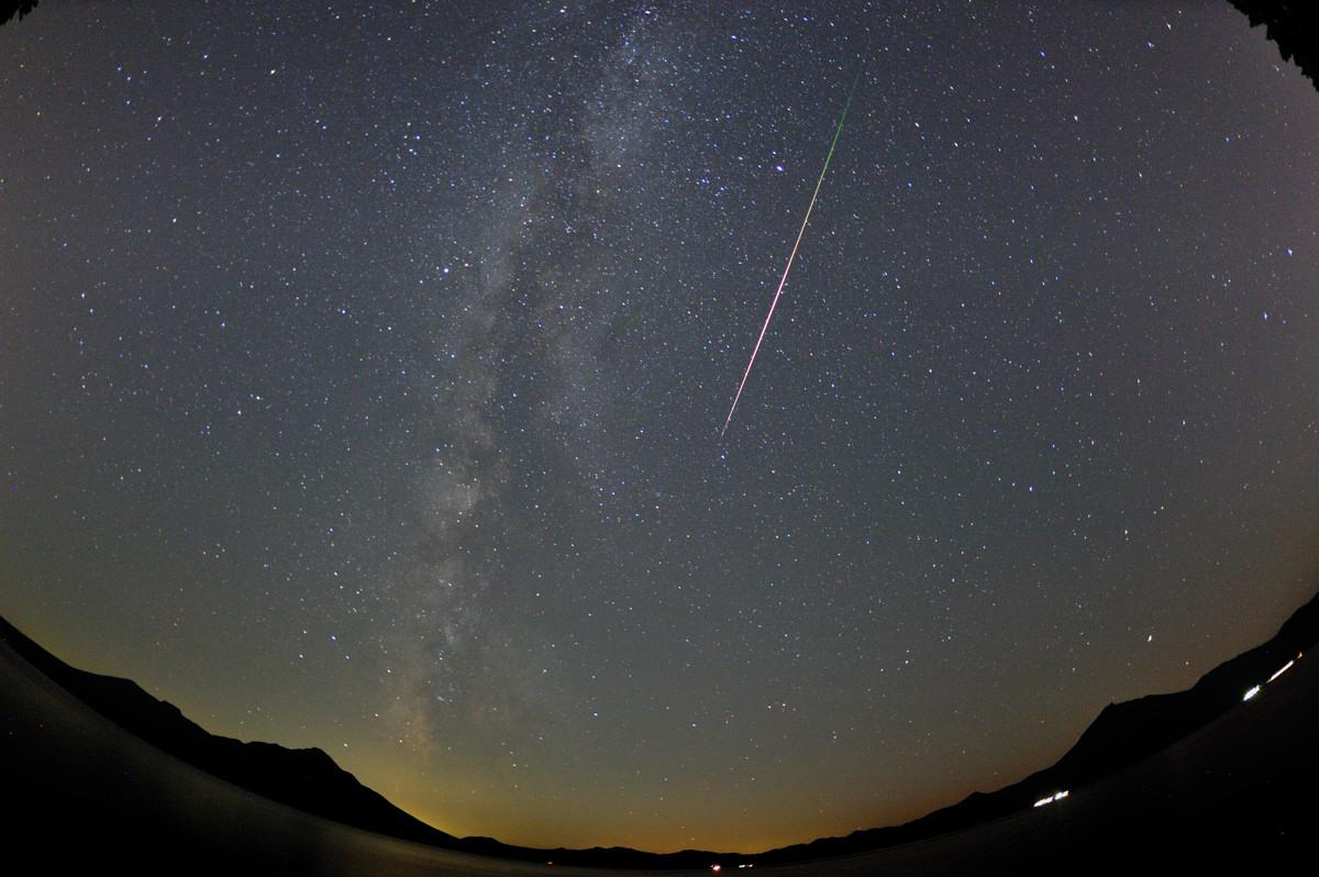 星に願いを・・・(再チャレンジ) 【ペルセウス座流星群】_a0145819_1392536.jpg