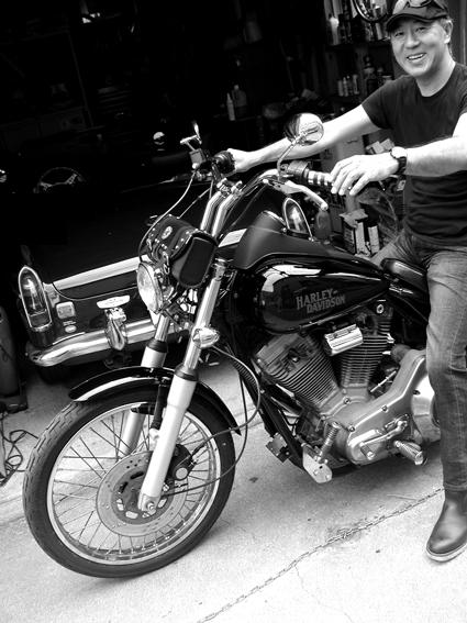 大石 和男 & Harley-Davidson FXR(2010 0621)_f0203027_85659.jpg