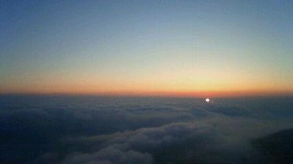 今朝は久々の雲海でした。気温15℃。週末「登山者のための気象教室」まだ宿泊可能です。_c0089831_66220.jpg