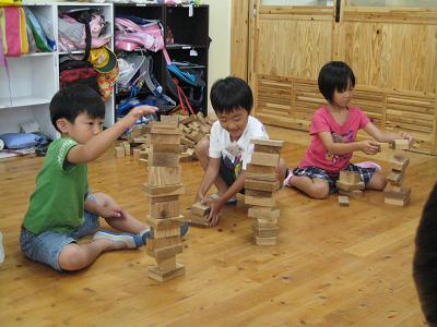 飫肥杉で子ども達キラキラ_f0138874_1827302.jpg