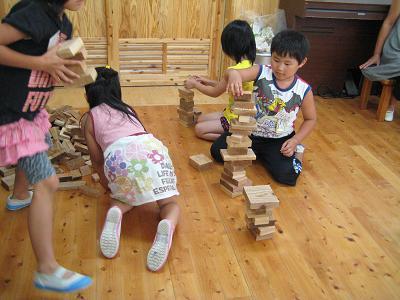 飫肥杉で子ども達キラキラ_f0138874_18274664.jpg