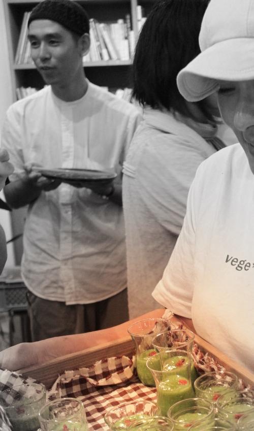 桃豚の会 第1回  桃豚&桃&夏野菜  !_c0170194_4171783.jpg