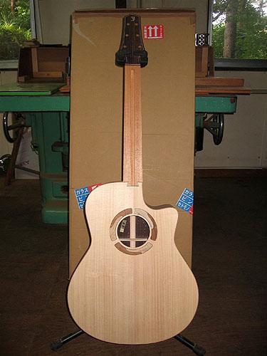 横山ギター、製作中! (その3)_c0137404_2318120.jpg