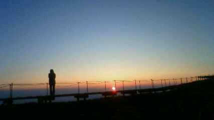 今朝、縦走日和。気温15℃。朝日を見るのも快適。星を見るのも寒くない!_c0089831_180636.jpg