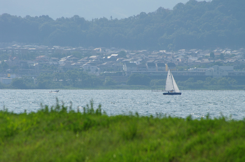 琵琶湖畔で..._f0152550_21241954.jpg