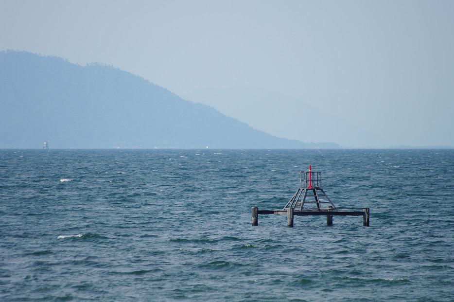 琵琶湖畔で..._f0152550_21243746.jpg