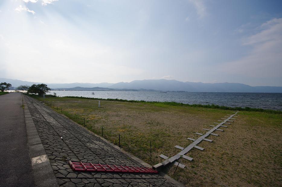 琵琶湖畔で..._f0152550_21251446.jpg