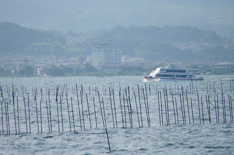 琵琶湖畔で..._f0152550_2125269.jpg