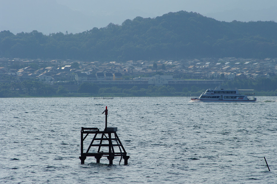 琵琶湖畔で..._f0152550_21253689.jpg